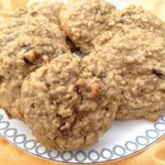 "These Breakfast Cookies taste so sweet but they're low in sugar. They get their sweetness from bananas, raisins and a little brown sugar. I combined those ingredients with whole wheat flour, oats and peanut butter to create these great ""cookies"" that are totally delicious and completely healthy! \ ZagLeft"