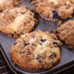 Bakery Style Blueberry Muffins with Crumb Topping - ZagLeft