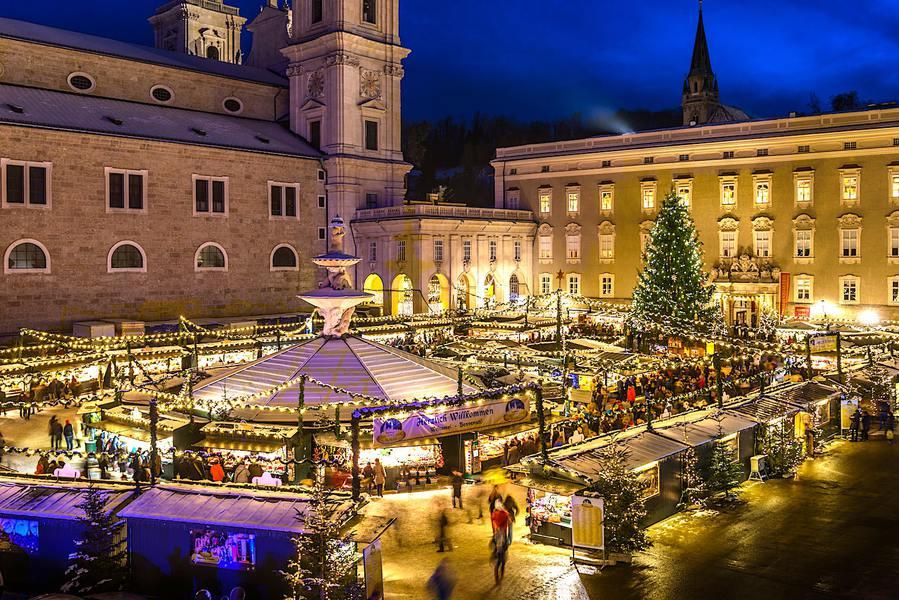 ザルツブルクのクリスマスマーケット画像