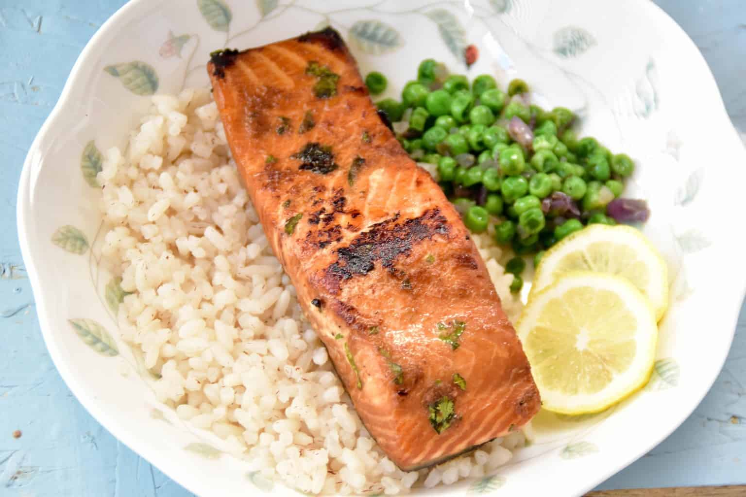 """<img src=""""https://cdn.shortpixel.ai/client/q_glossy,ret_img,w_1536,h_1024/sous vide salmon.jpg"""" alt=""""sous vide salmon with ginger and soy sauce marinade"""">"""