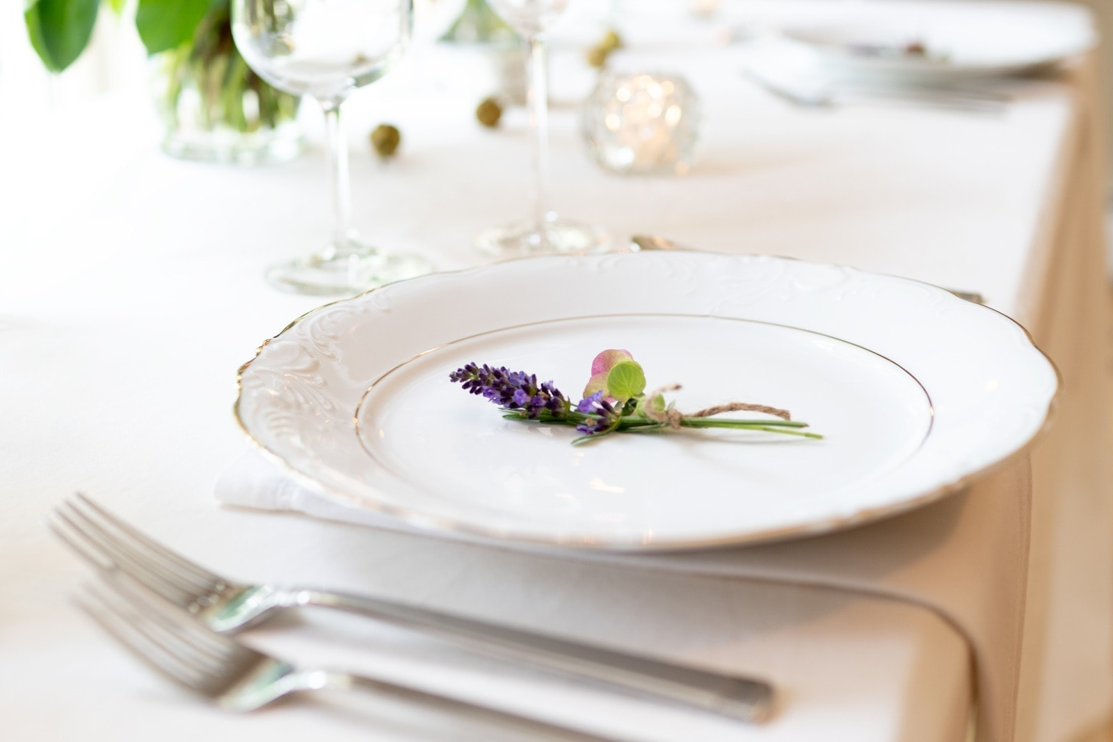 cut costs on your wedding