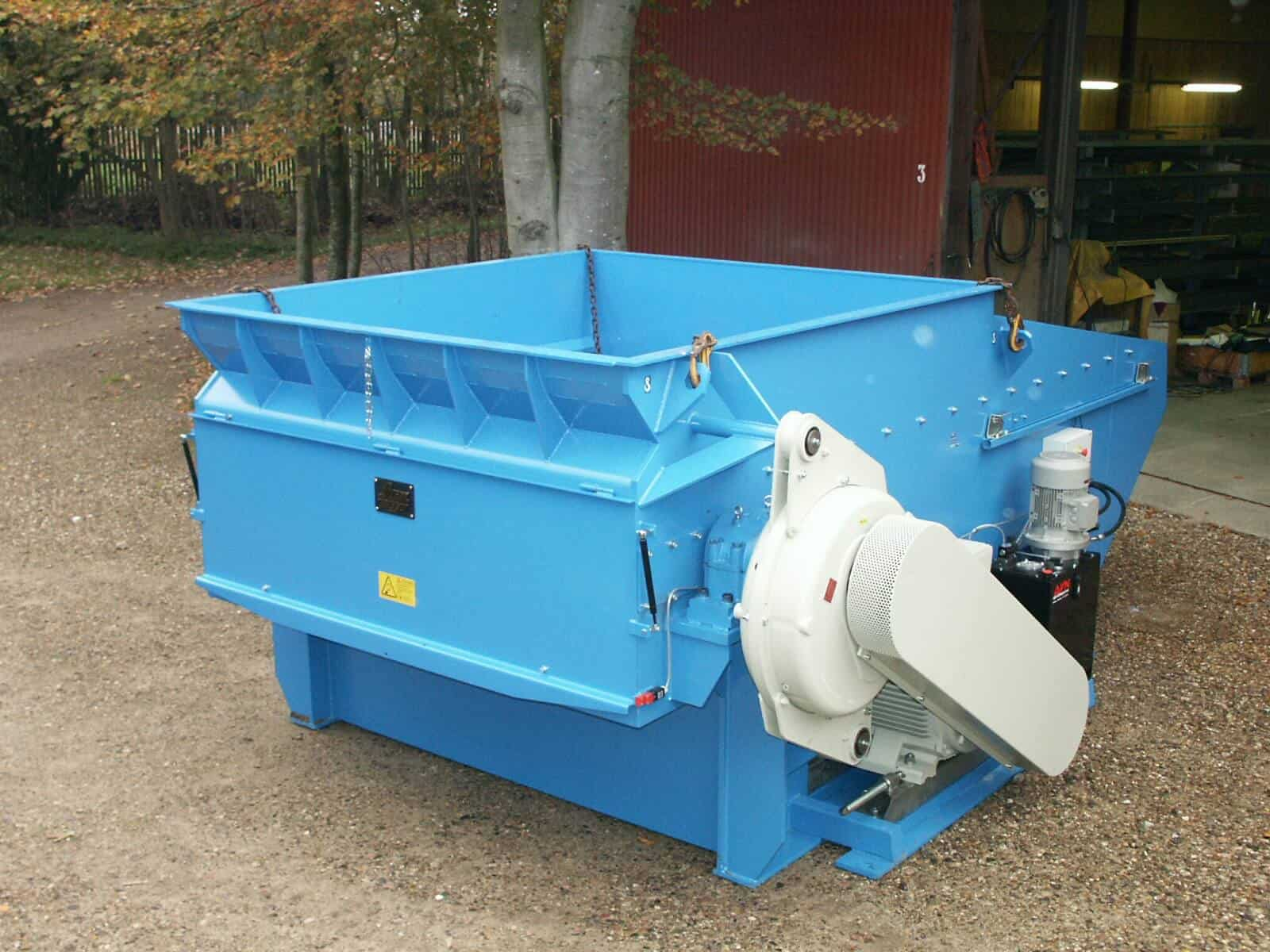 Blue wood shredder