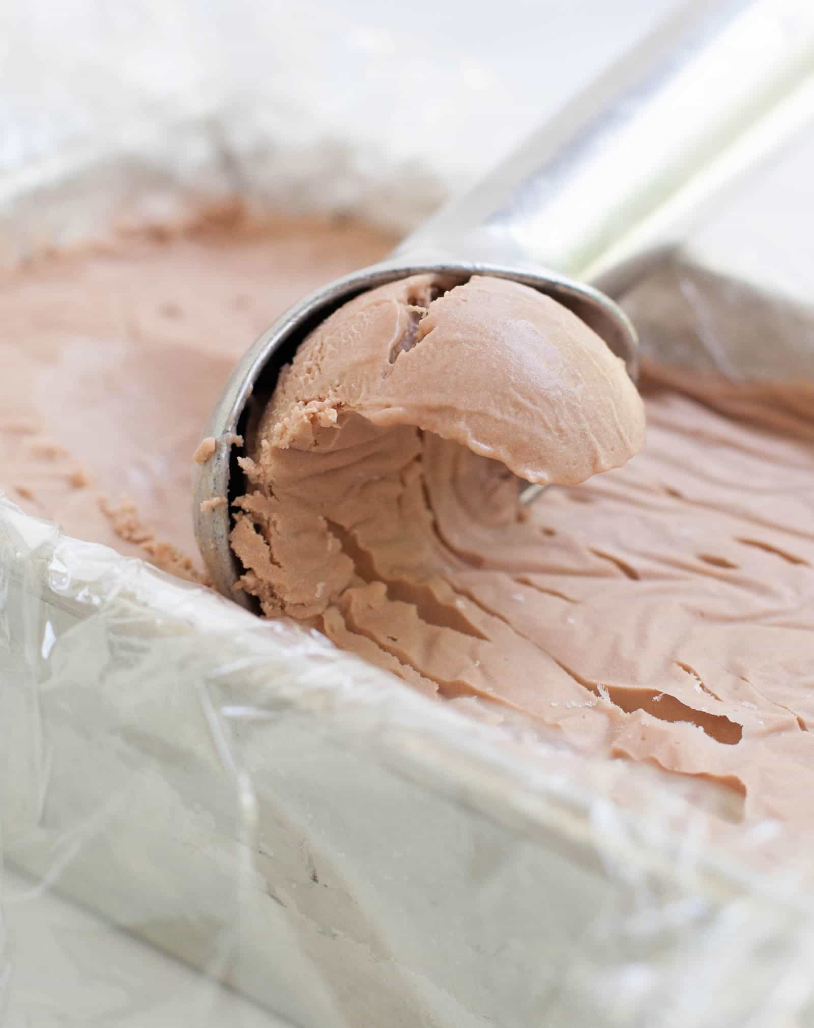No Churn Nutella Cheesecake Ice Cream. A NEW kind of no churn ice cream made with whipped cream and cream cheese! Super rich, creamy and delicious!