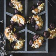 Mandelhörnchen mit Marzipan - klassisches Weihnachtsgebäck