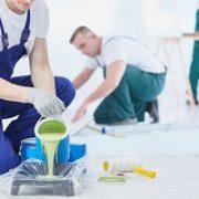 Wenn man sich einmal für eine Wandfarbe entschieden hat, muss diese auch gut an die Wand gebracht werden. Tipp zum Bau vermittelt Ihnen einen kompetenten Maler.