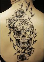 calavera-mexicana-en-blanco-y-negro-tatuajes-de-calaveras-con-reloj