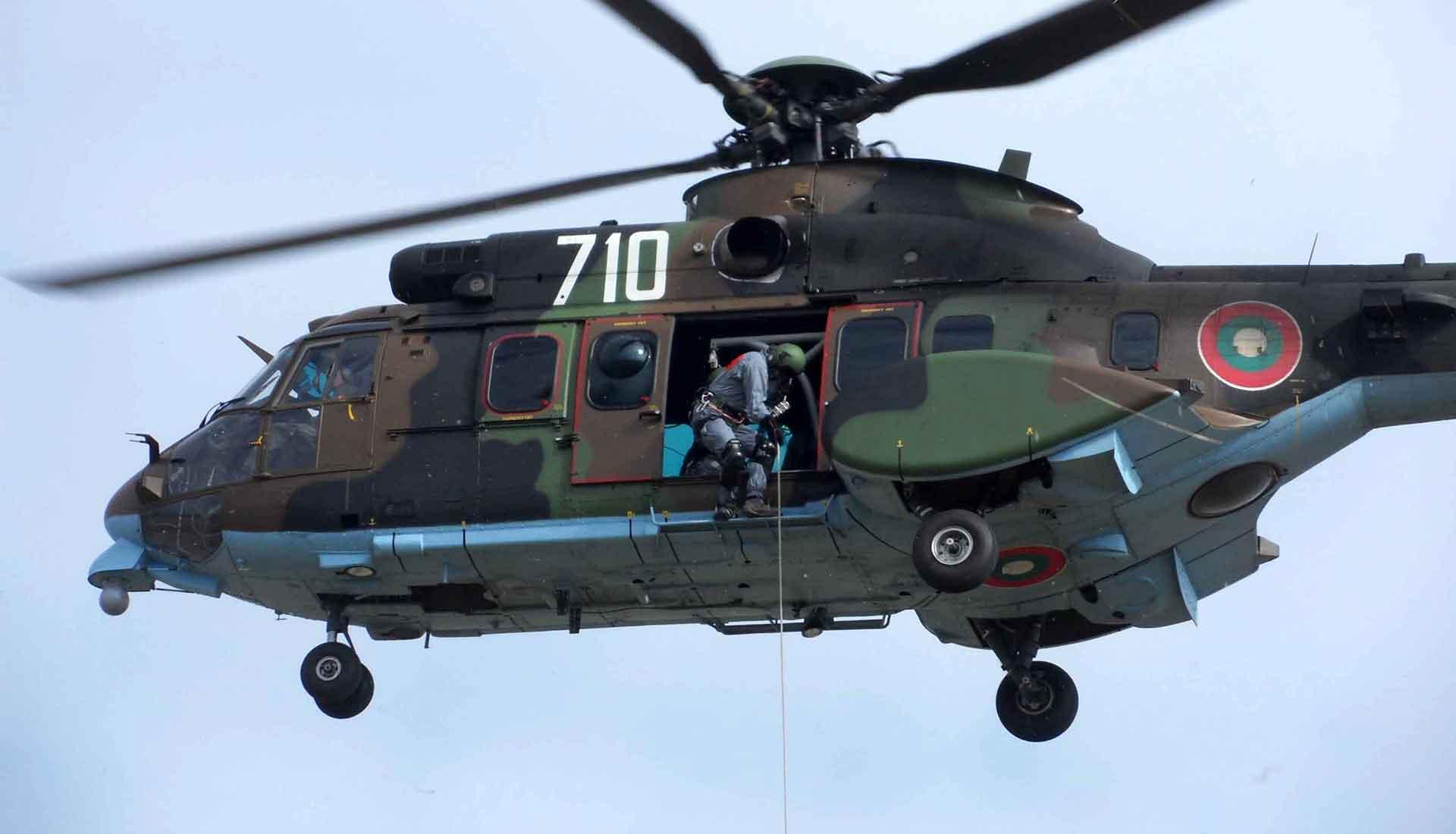 """Каня хората, които желаят да се включат в инициативата SOS (създаване на доброволчески """"Специализиран отряд за спасяване"""", който да отреагирва при Издирване и спасяване по земя, вода и възздух с хеликоптер на труднодостъпни места, да ни пише"""