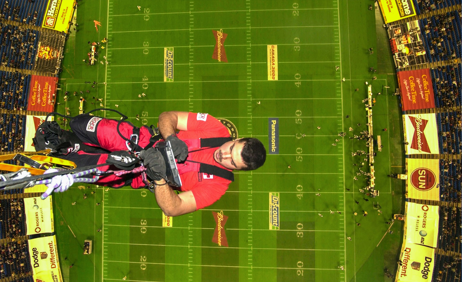Rappelling in Skydome
