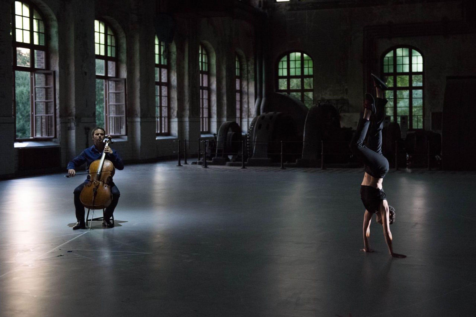 Jean guihen Queyras et une danseuse