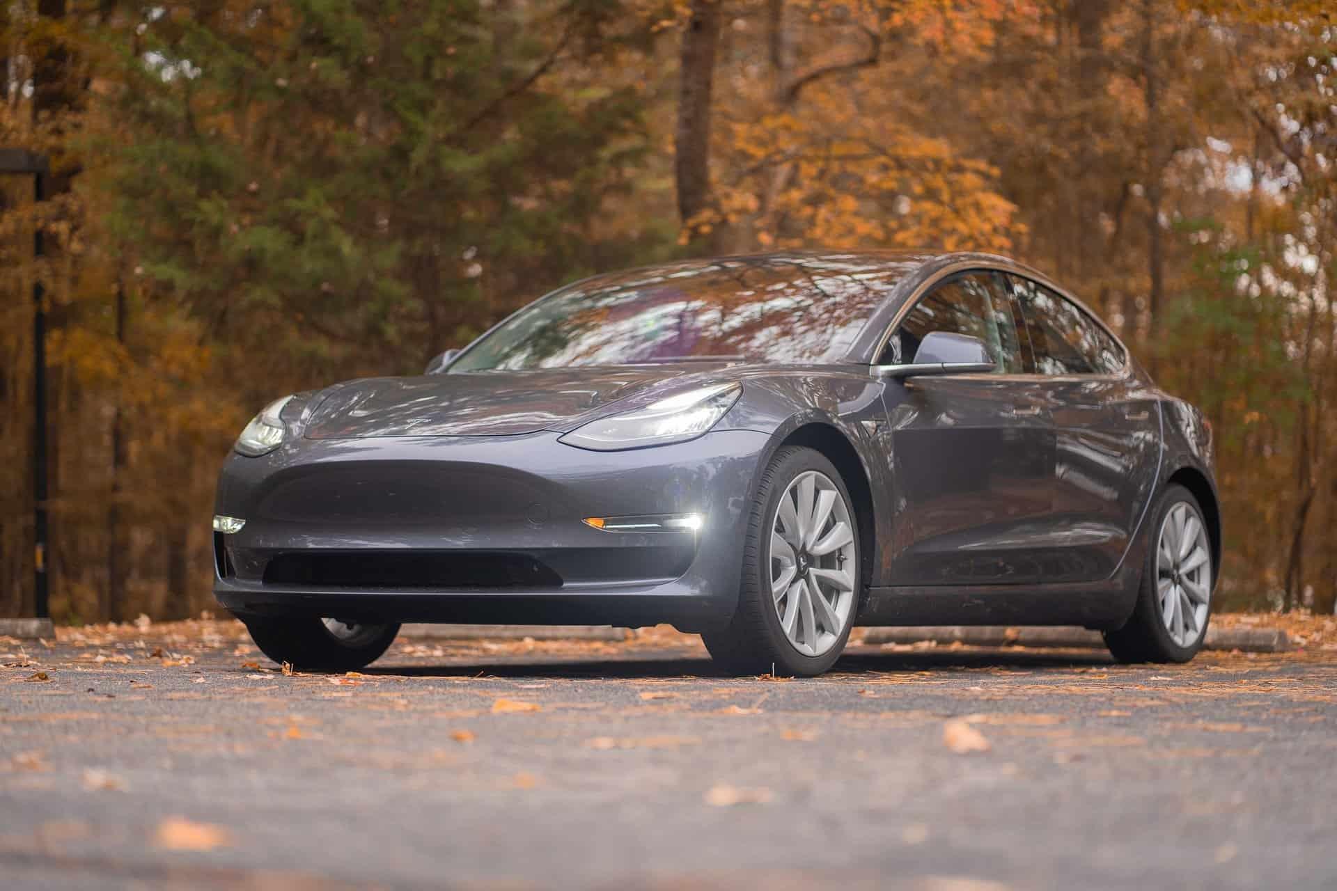 optimale Kfz-Versicherung Tesla Model 3