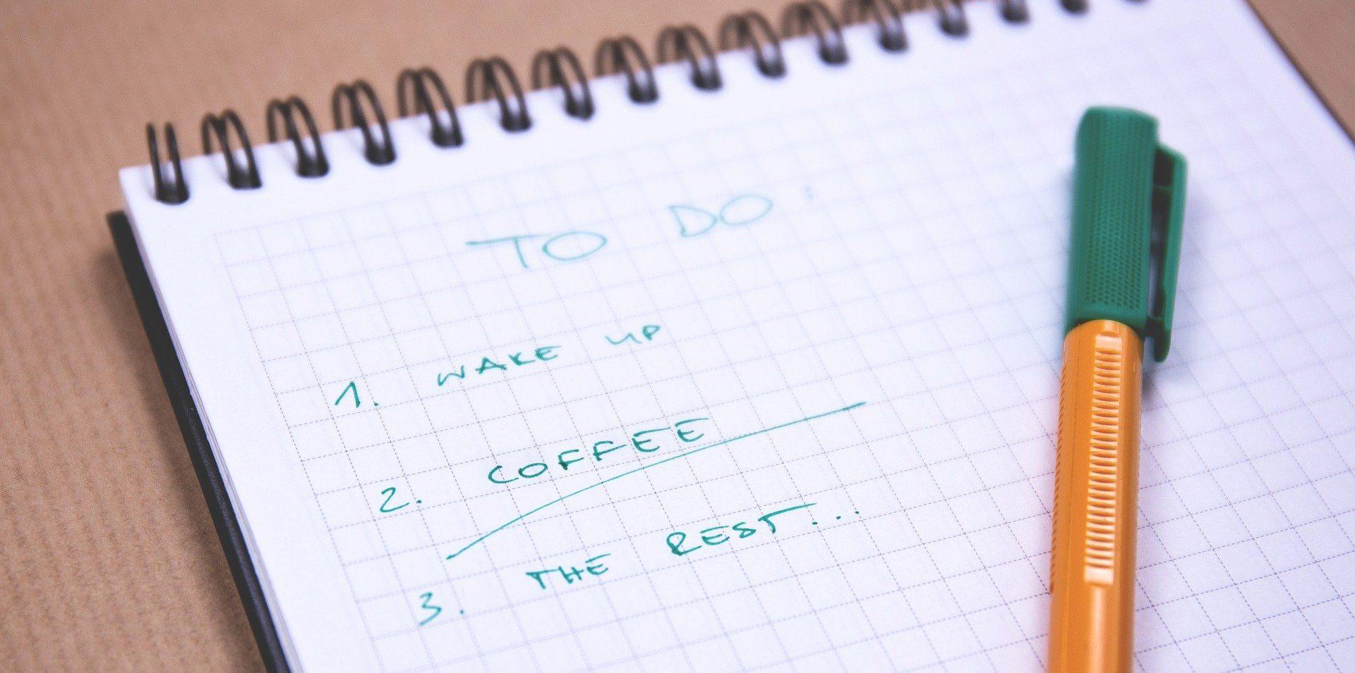 Image: Checklist with a pen