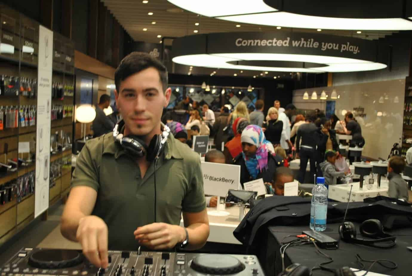 DJ Billy Gonzalez - EE Westfield London - Everything Everywhere - Storm DJs