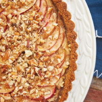 Apple Pecan Cream Cheese Tart is a delicious combination of apple pie and cheesecake. This lovely dessert is a fall baking must! - Bake or Break