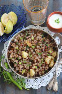 Sabudana Khichdi Recipe (Maharashtrian Sabudanyachi Khichadi)