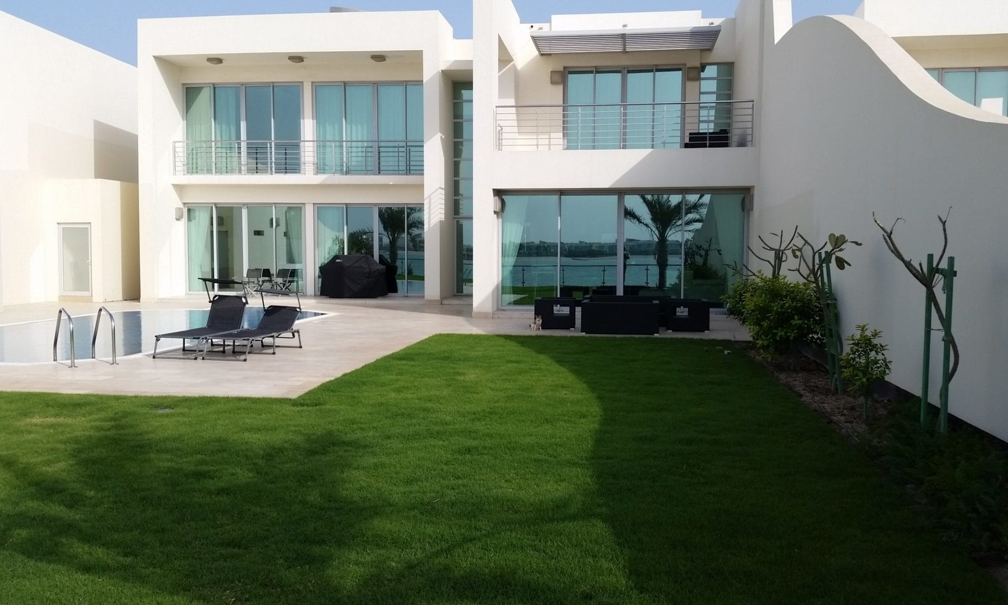 Durrat al Bahrain - Beach-Villa for Sale: 379,000 BD - negotiable