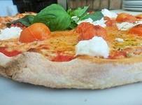 Pizza Caprese restaurante italiano cinquecento valencia Tu pizza en Valencia