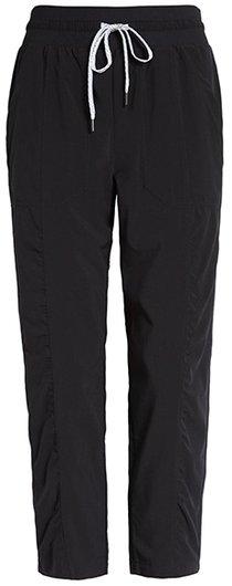 Stylish clothes - Zella crops pants | 40plusstyle.com