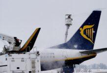 odladzanie ogonu samolotu Ryanair