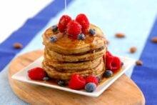 Keto pancakes with almond flour, low carb pancakes, almond flour pancakes, keto pancakes coconut flour, freezing pancakes, how to make keto pancakes, keto breakfast ideas, low carb breakfast recipes, keto breakfast meal prep, keto meal prep, keto diet recipes