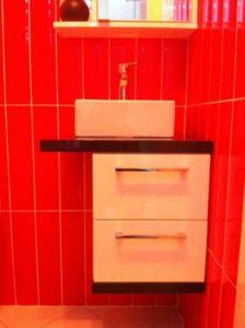 polica za kupatilo sa dve fioke