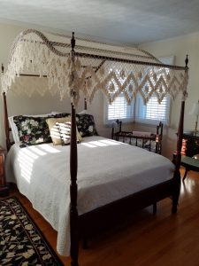 vintage canopy bed