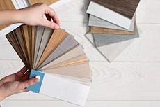 Für Ihre von Tipp zum Bau empfohlene Treppenrenovierung gibt es viele verschiedene Vinylbeläge.