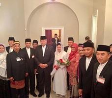 Presiden SBY dan Ibu Ani seusai meresmikan Imam Center