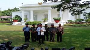 Jokowi-Jumpa-Pers-Belakang-Istana-750x422