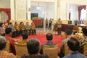Menteri Keuangan Bambang Brodjonegoro menyampaikan laporan dalam Penyerahan DIPA 2015, di Istana Negara, Senin (8/12)