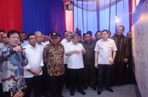 Suasana pencanangan pembangunan jalan tol Ciawi-Sukabumi, di Jakarta, Senin (9/2)