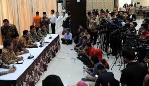 Kepala Staf Presiden Luhut B. Pandjaitan bicara blak-blakan mengenai lembaga yang dipimpinnya, di Gedung III Kemensetneg, Jakarta, Kamis (2/4)