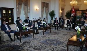 Presiden Jokowi didampingi sejumlah menteri bertemu Presiden Singapura Tony Tan Tan Keng Yam, di Istana Kepresidenan Singapura, Selasa (28/7) siang