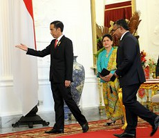 Presiden Jokowi didampingi Ibu Negara Iriana meneirma kunjungan PM Timor Leste Rui Maria De Araujo, di Istana Merdeka, Jakarta, Rabu (26/8)