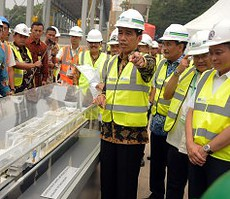 Presiden Jokowi meresmikan beroperasinya mesin bor Antareja untuk jalur MRT Jakarta, di Senayan, Jakarta, Senin (21/9) pagi