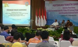 Wakil Seskab Bistok Simbolon (tengah) saat memberikan paparan pada Pertemuan Tematik Bakohumas, di Lemhanas, Jakarta, Rabu (2/9)