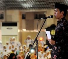 Presiden Jokowi saat memberikan sambutan pada Deklarasi Hari Santri Nasional, di Masjid Istiqlal, Jakarta, Kamis (22/10)