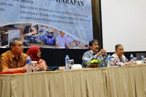 Deputi PMK Setkab, Surat Indijarso, membuka FGD Pengembangangan Sekolah Menengah Kejuruan, di Hotel Santika, Jakarta, Kamis (12/11) lalu