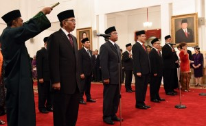 Direksi BPJS Ketenagakerjaan masa jabatan 2016-2021, dilantik oleh Presiden Jokowi, di Istana Negara, Jakarta, Selasa (23/2) siang. (Foto: Rahmad/Humas)