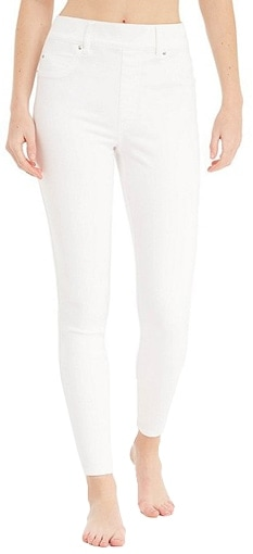 White skinny jeans | 40plusstyle.com