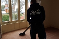 cleaning_house_carpet
