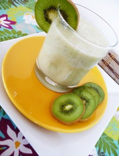 Coconut, Pineapple, and Kiwi Smoothie