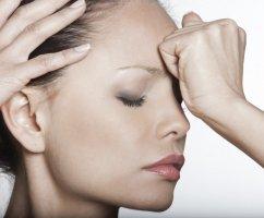 Почему болит кожа головы при прикосновении, что этоможет быть и какие есть способы лечения?