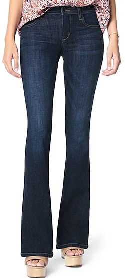 Wardrobe essentials - Joe's curvy bootcut jeans | 40plusstyle.com