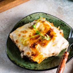 lasagne al ragù con mozzarella di bufala cremosa