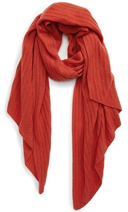 Halogen diagonal rib cashmere scarf | 40plusstyle.com