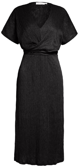 flattering dress styles for the hourglass | 40plusstyle.com