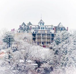Eureka Springs Winter Weddings