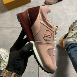 Louis Vuitton Runner Away Light Pink (Персиковый)