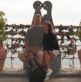 Couple travel bloggers - Venturists