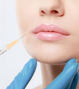 lippen-aufspritzen-schoenheitsbehandlungen